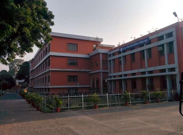SRI GURU GOBIND SINGH COLLEGIATE PUBLIC SCHOOL SECTOR 26 CHANDIGARH 2630049