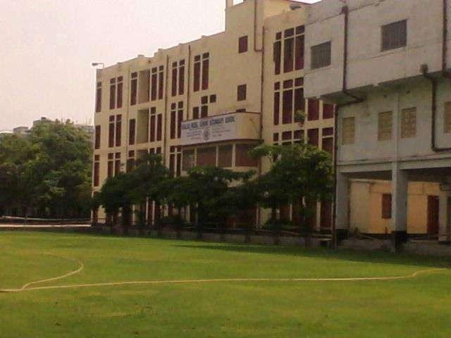 KHALSA MODEL SR SEC SCHOOL 135 B T ROAD DUNLOP BRIDGE CALCUTTA WEST BENGAL 2430010