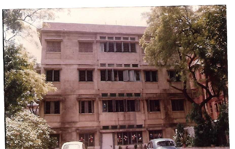 GURBACHAN SINGH SONDHI GIRLS SCHOOL 65 PRATAPADITYA ROAD CALCUTTA 2430049