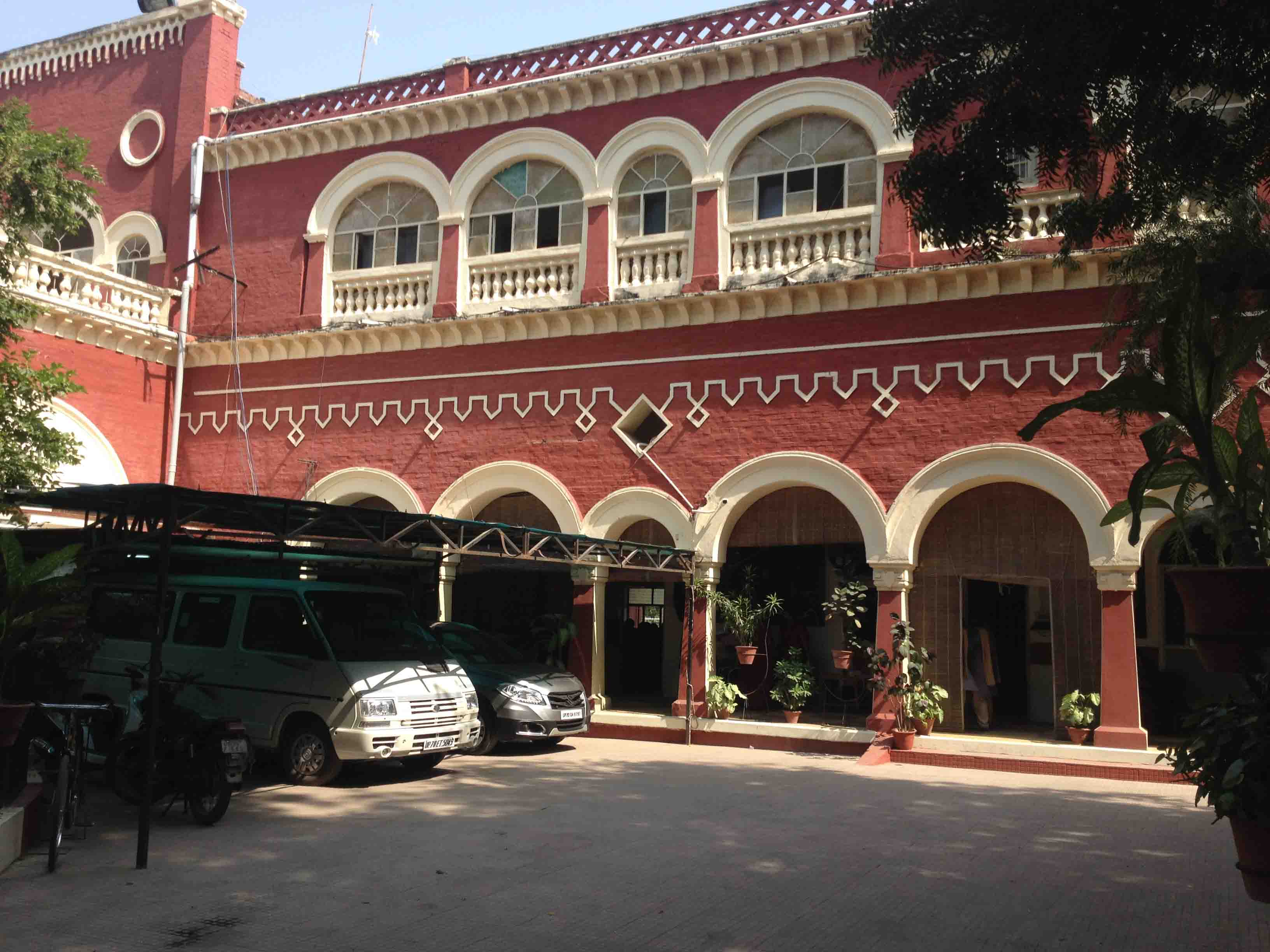 YMCA CENTENARY SCHOOL 13 SAROJINI NAIDU MARG ALLAHABAD UTTAR PRADESH 2130480