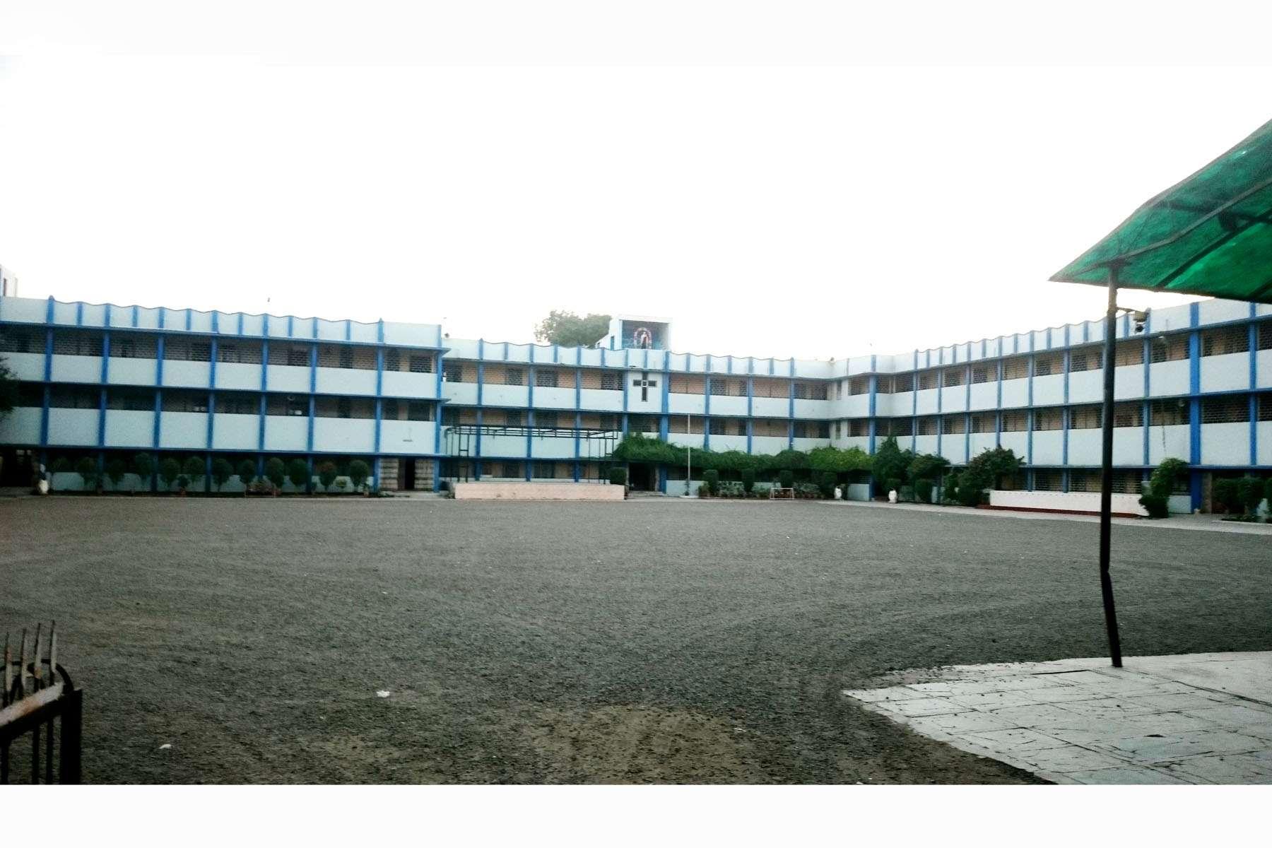 SAINT THERESA HR SEC SCHOOL ALAMGANJ 1030508