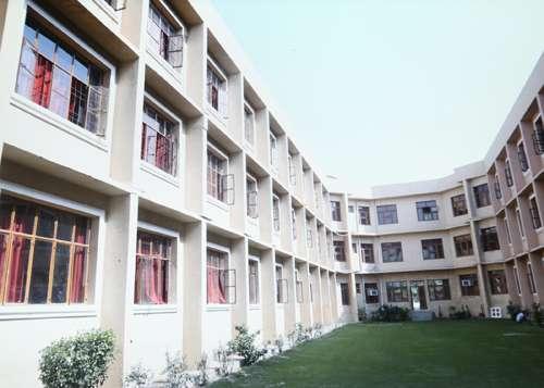 M N M PUBLIC SCHOOL KARNAL ASANDH ROAD JUNDLA DISTT KARNAL HARYANA 530487