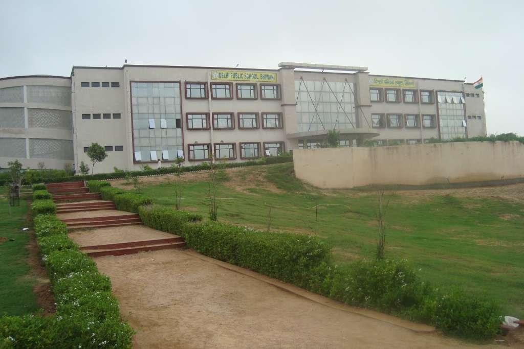 DELHI PUBLIC SCHOOL BHIWANI DEVSAR MORH LOHARU ROAD 530718