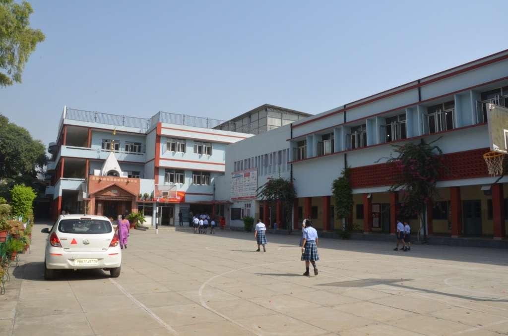 SHRI RAM ASHRAM PUBLIC SCHOOL MAJITHA ROAD AMRITSAR PUNJAB 1630246