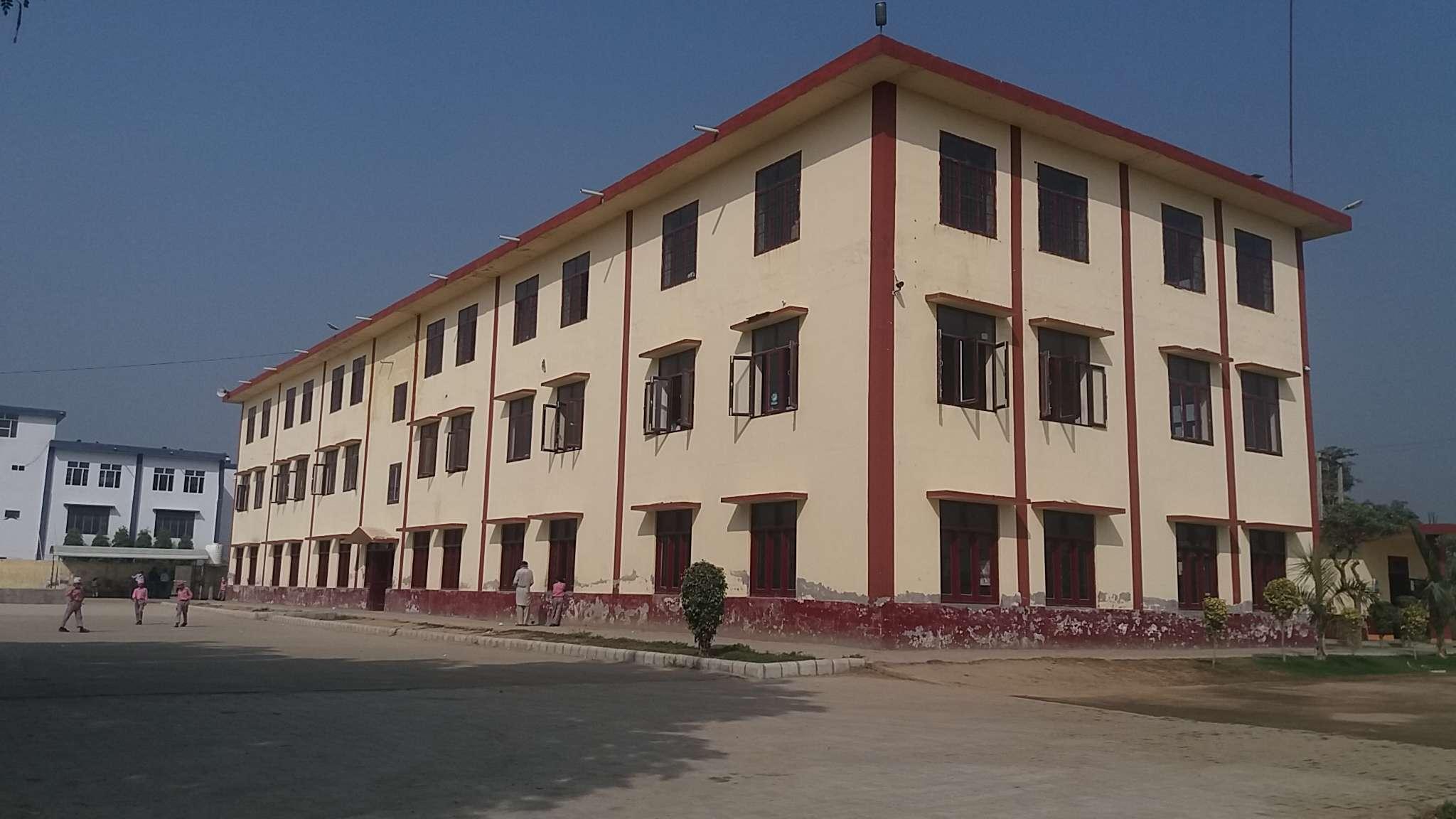 SRI GURU HARGOBIND SAHIB CONVENT SCHOOL TARANTARAN PUNJAB 1630856
