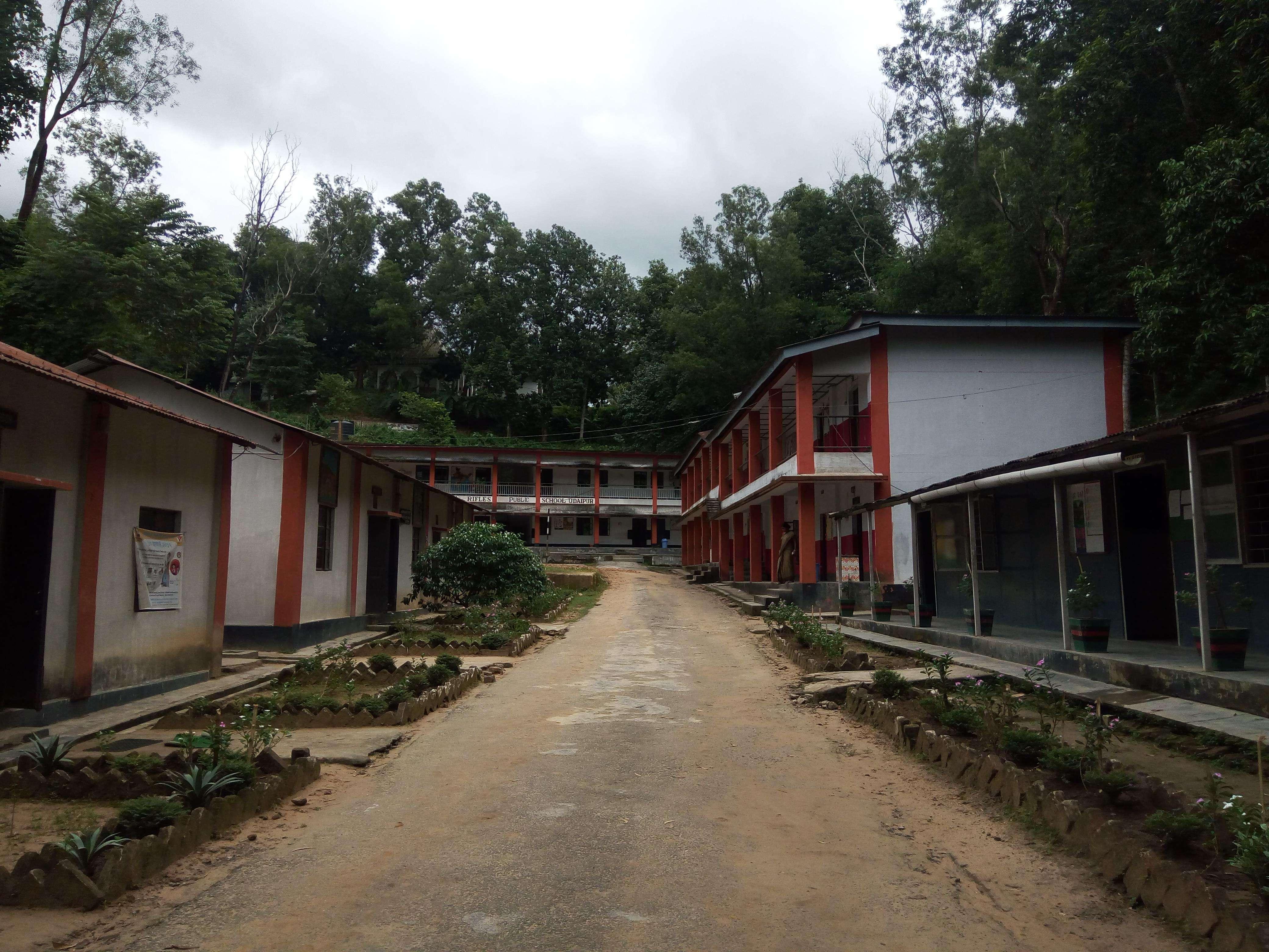 ASSAM RIFLES SCHOOL UDAIPUR SOUTH TRIPURA C O 6 ASSAM RIFLES 99 APO 2030008