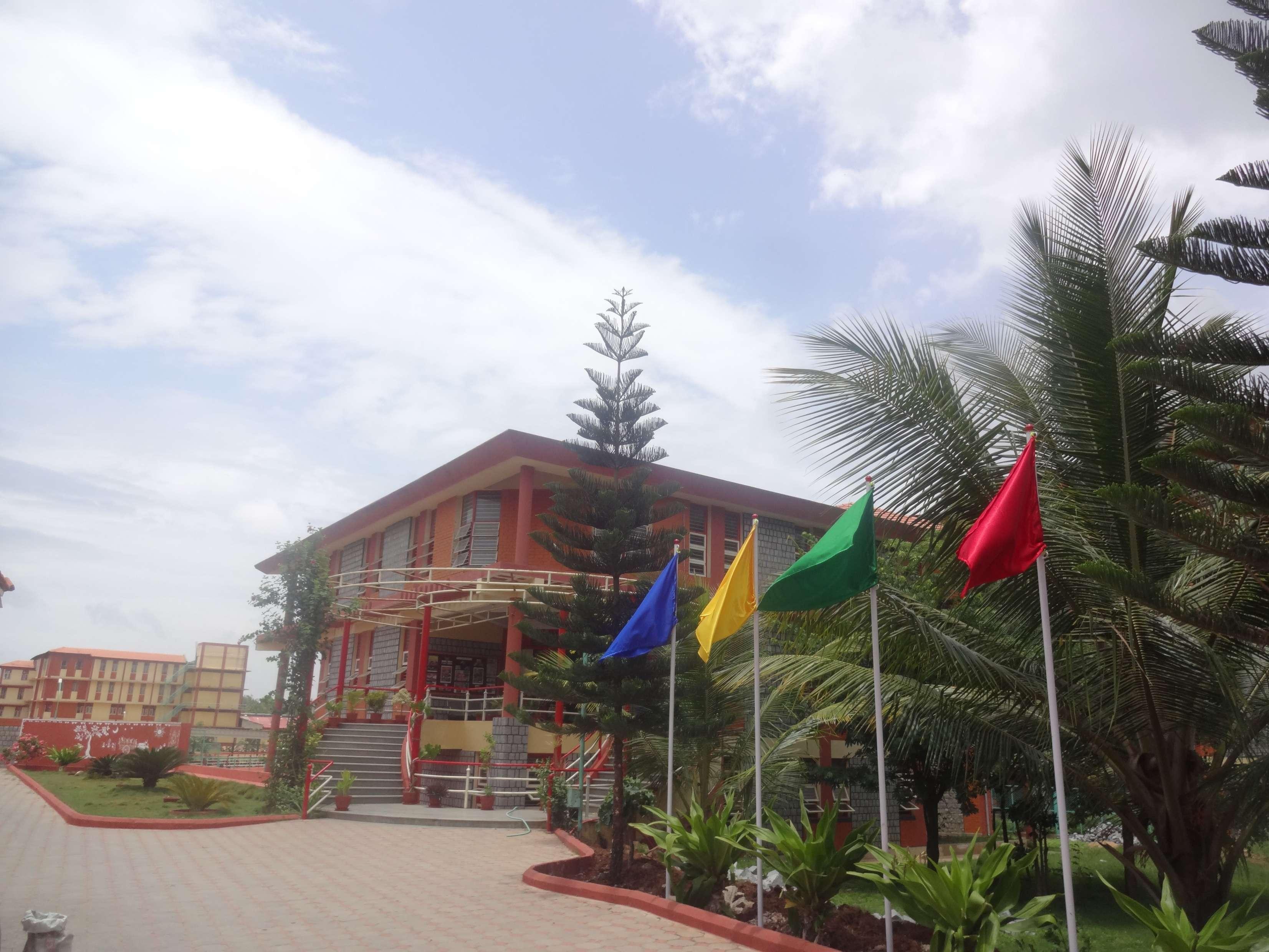 ANMOL PUBLIC SCHOOL SHIRAMAGONDANAHALLI DAVANGERE KARNATAKA 830222