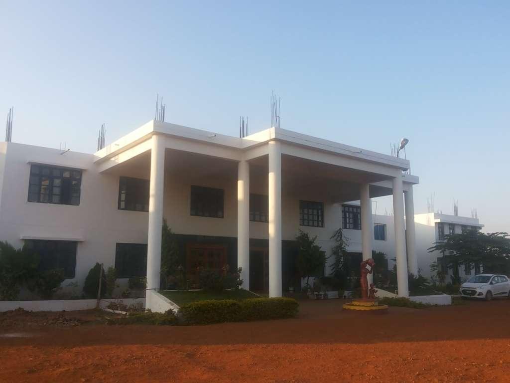 OM NATIONAL PUBLIC SCHOOL Hiregoudar Complex Medleri Road Ranebennur 830351