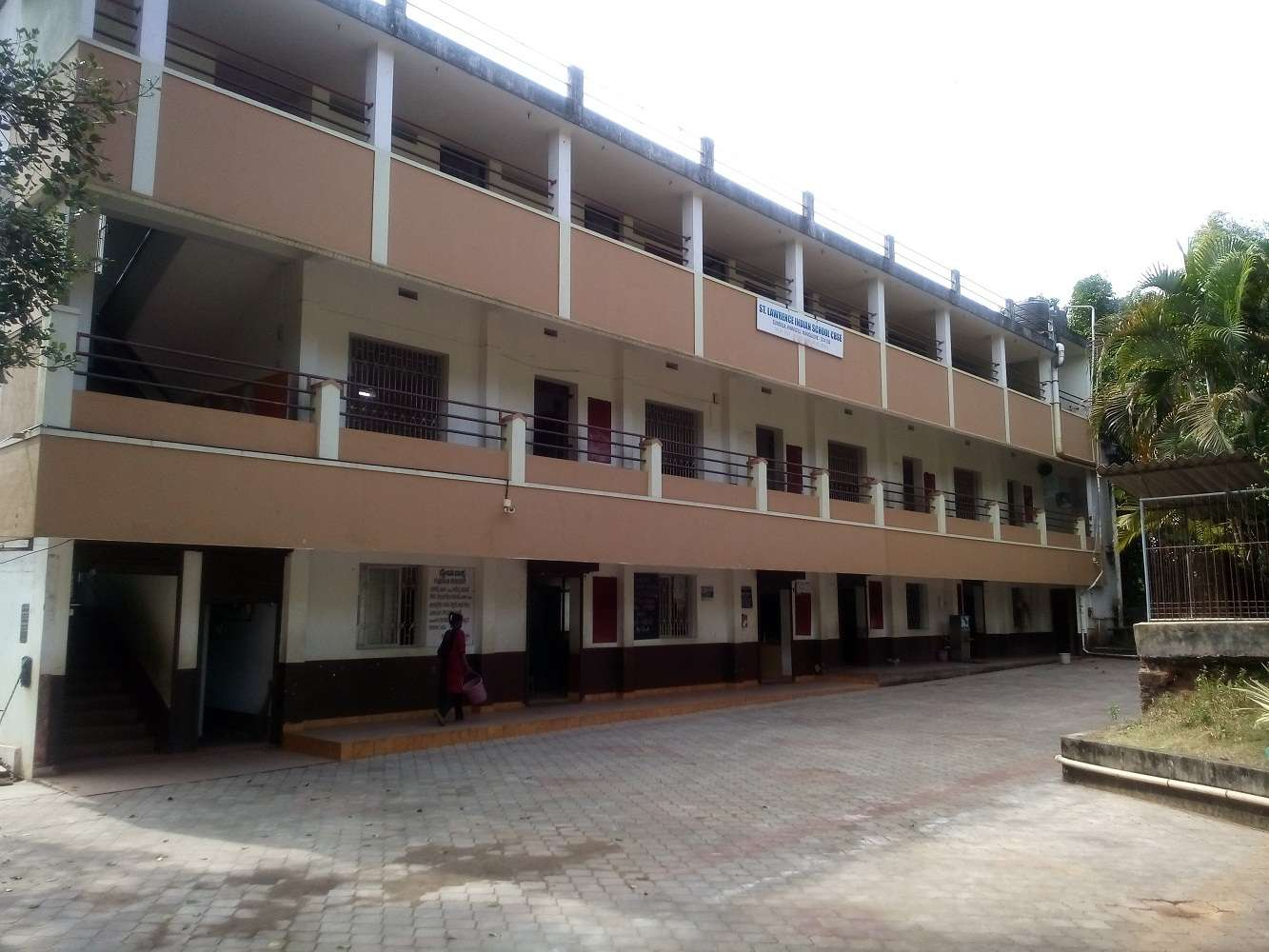 ST LAWRENCE INDIAN SCHOOL GUNDALA KINNIGOLI POST MANGALORE TALUK D K 830361