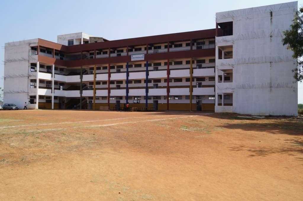 LEADERS INTERNATIONAL SCHOOL LEADERS INERNATIONAL SCHOOL RAYMOND FACTORY BYPASS ROAD GUNDAPURA 830460