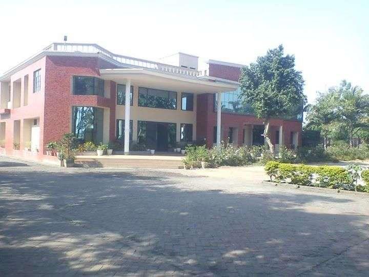 NOBLE PUBLIC SCHOOL DELHI ROAD GAJRAULA DISTT J P NAGAR UTTAR PRADESH 2130627
