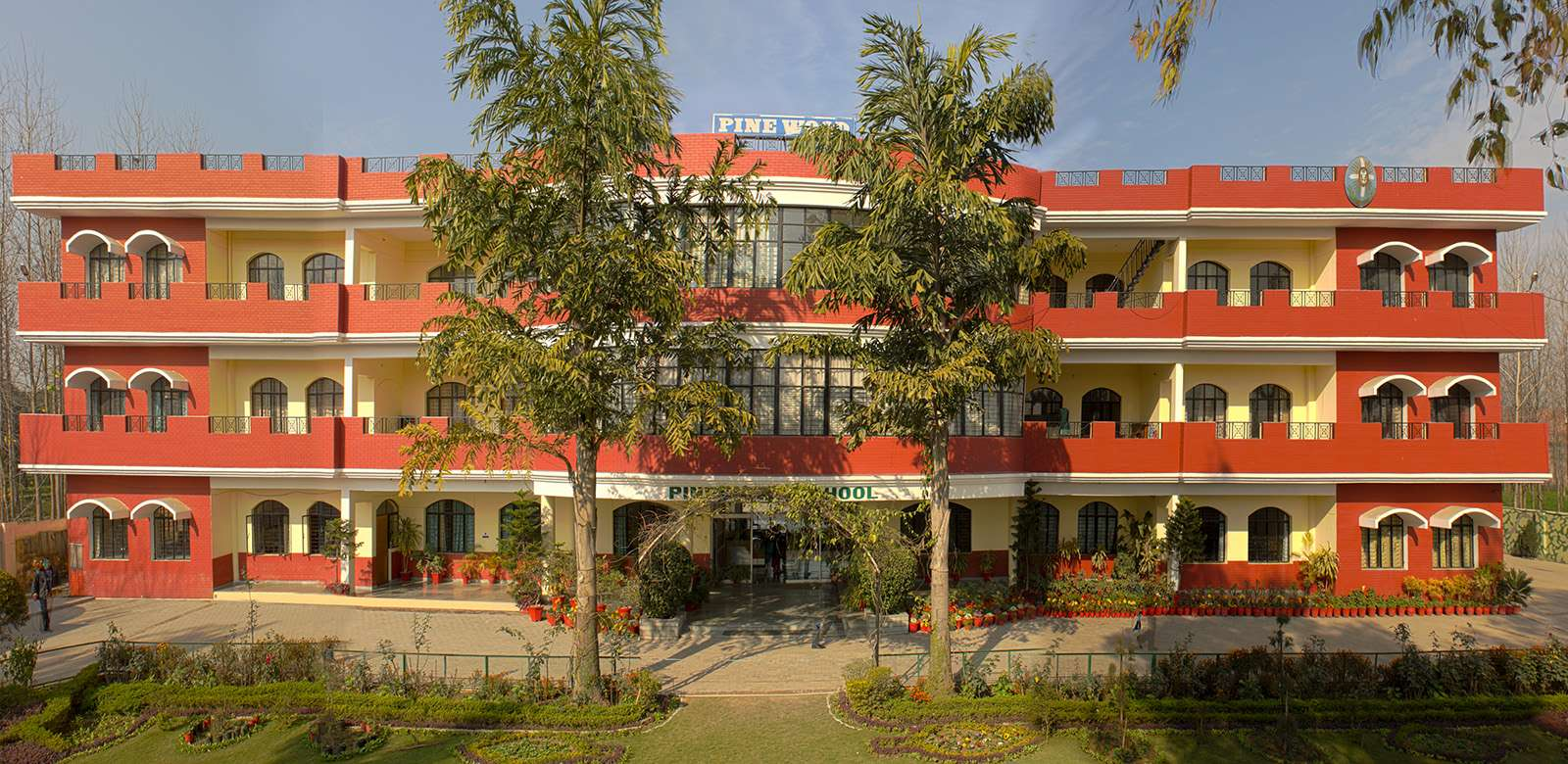 PINE WOOD SCHOOL VILLAGE CHUNHETI DELHI ROAD SAHARANPUR UP 2130712