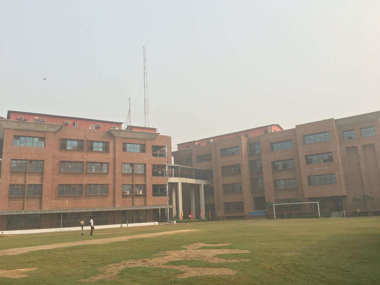 AMITY INTERNATIONAL SCHOOL H S 1 SECTOR 6 VASUNDHARA YOJNA 2130884
