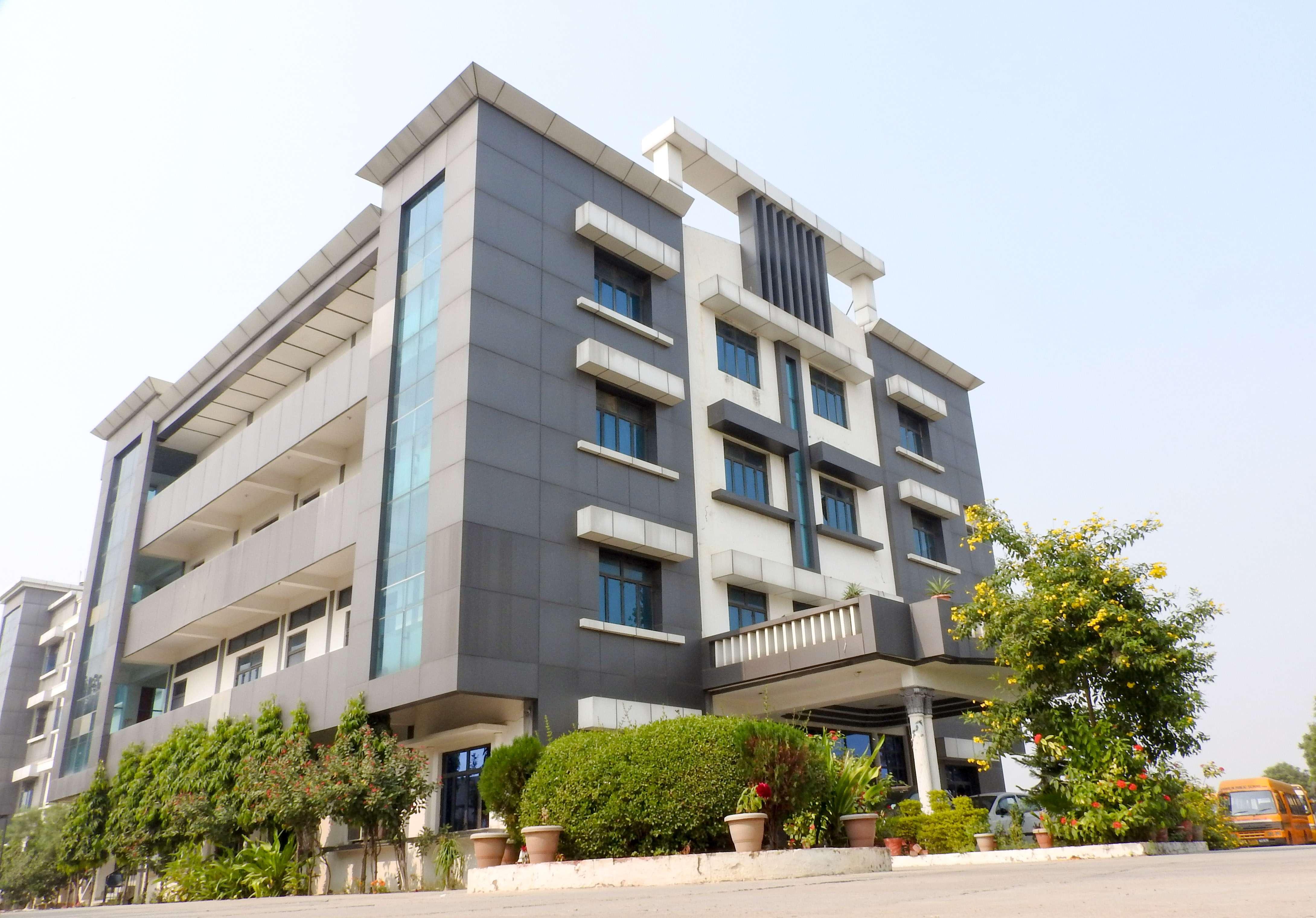 Shivalik Public School MAGTAI BHICHPURI ROAD 2130952