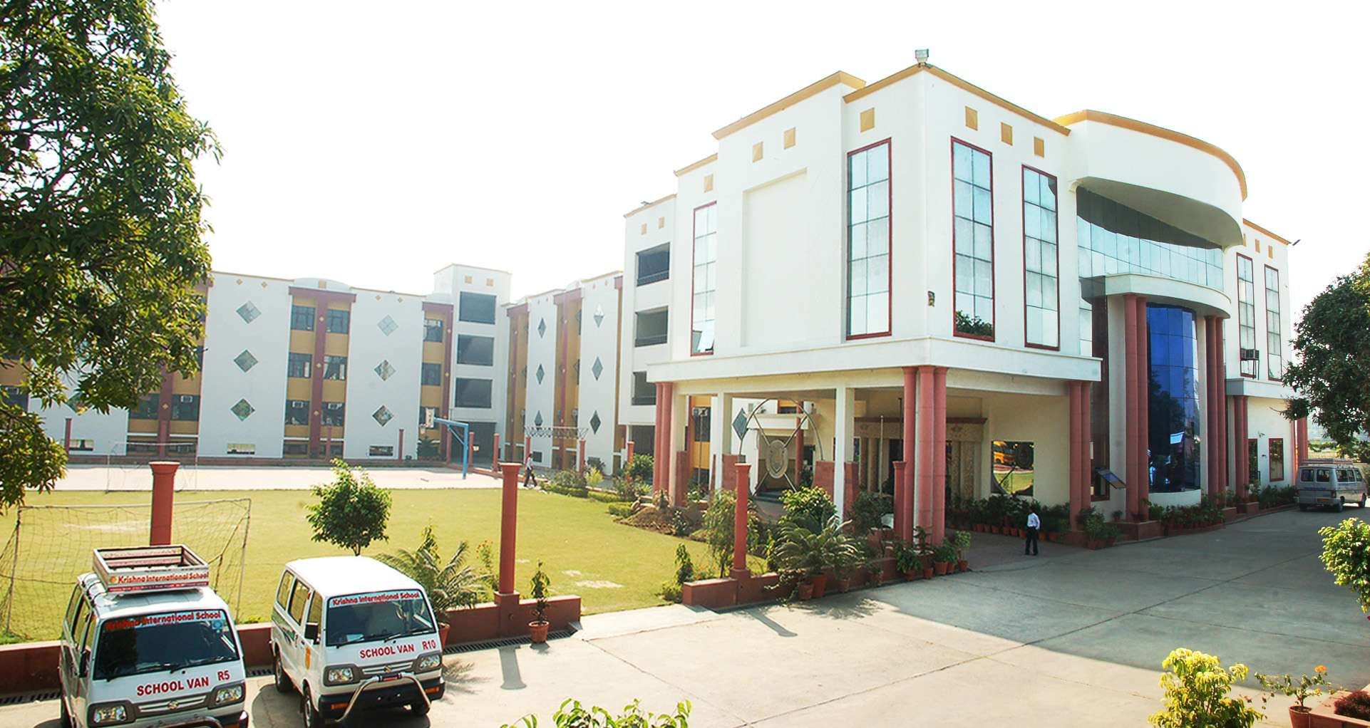 Krishna International School krishna nagar opp relience petrol pump 5 km delhi g t road Aligarh 2130936