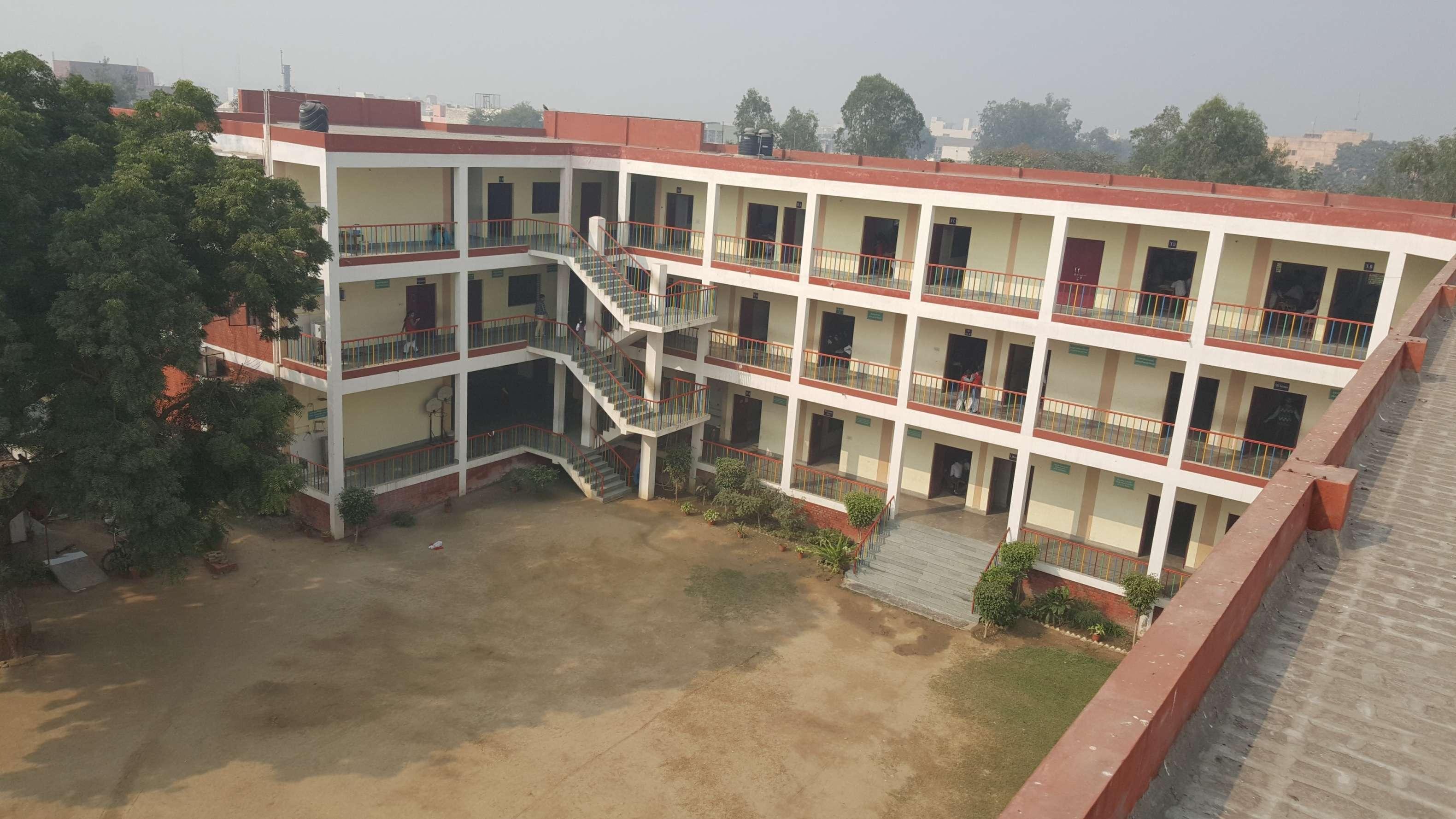 Smt Kamla Agarwal Public School Smt Kamla Agarwal Public School Meerut Road Hapur Ghaziabad 2131258
