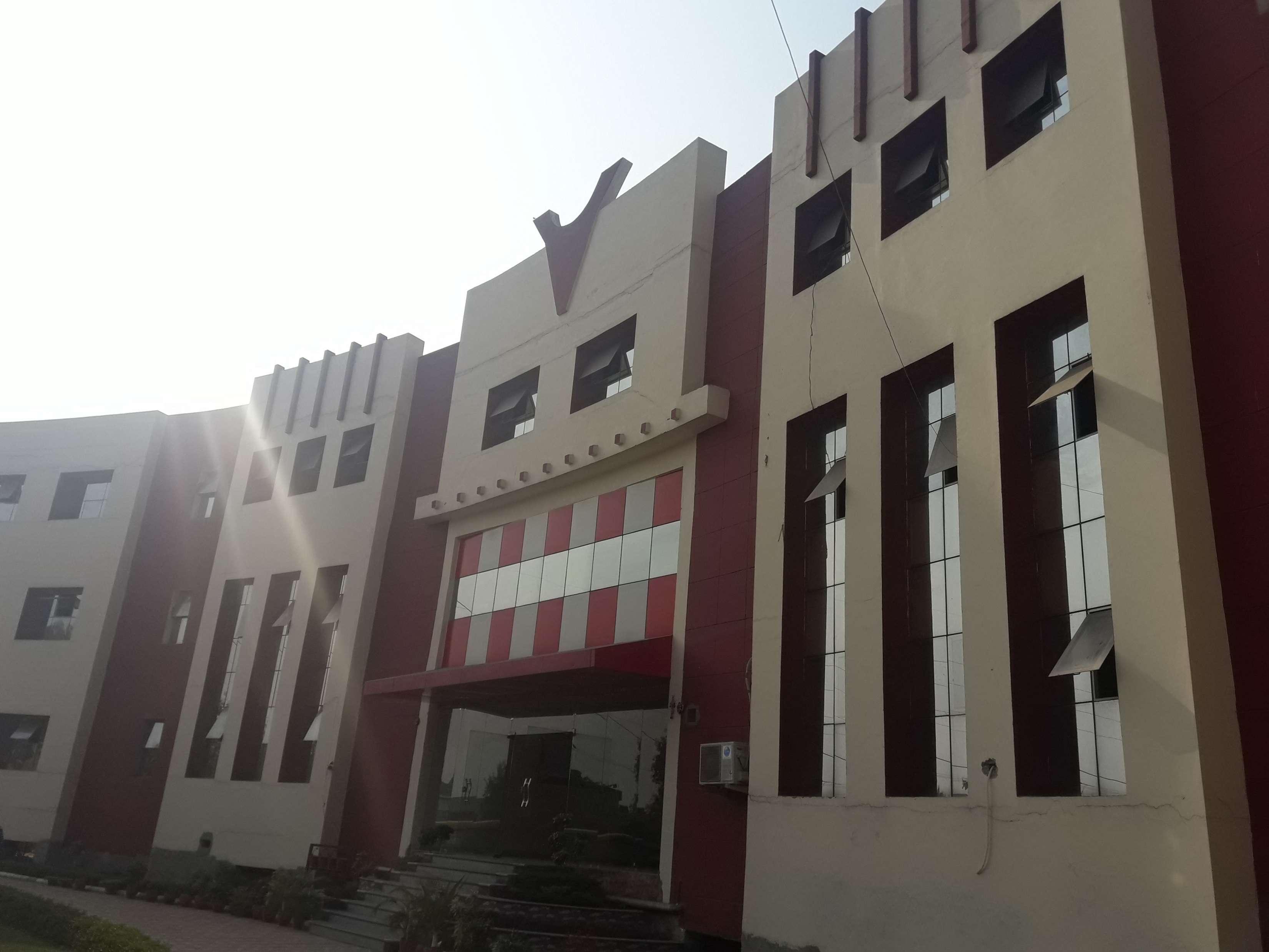 East Delhi Public School P Block Sector 12 Pratap Vihar 2131350