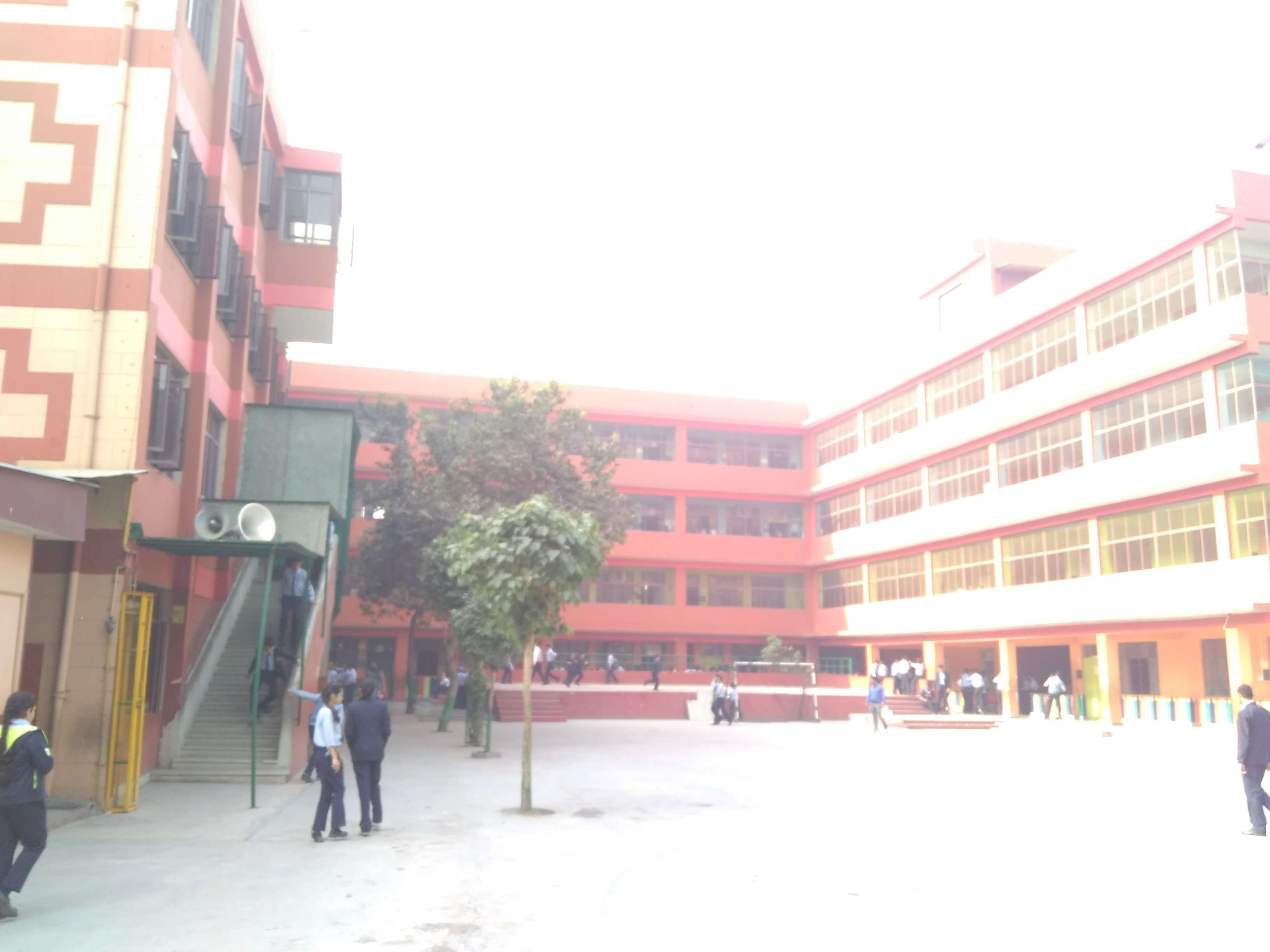 ST ANDREWS SCOTS SR SEC SCHOOL 9TH AVENUE I P EXTENSION PATPARGANJ DELHI 2730232