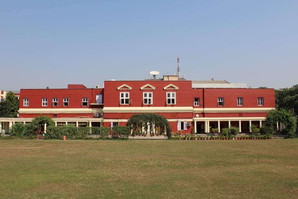 CONVENT OF JESUS amp MARY SCHOOL BANGLA SAHIB MARG NEW DELHI 2730012